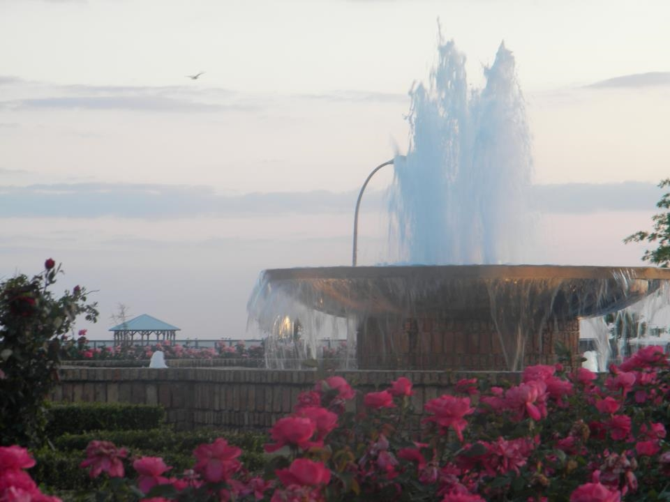 Fairhope Pier Fountain & Rose Garden